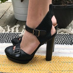 Anne Taylor black snake skin heels